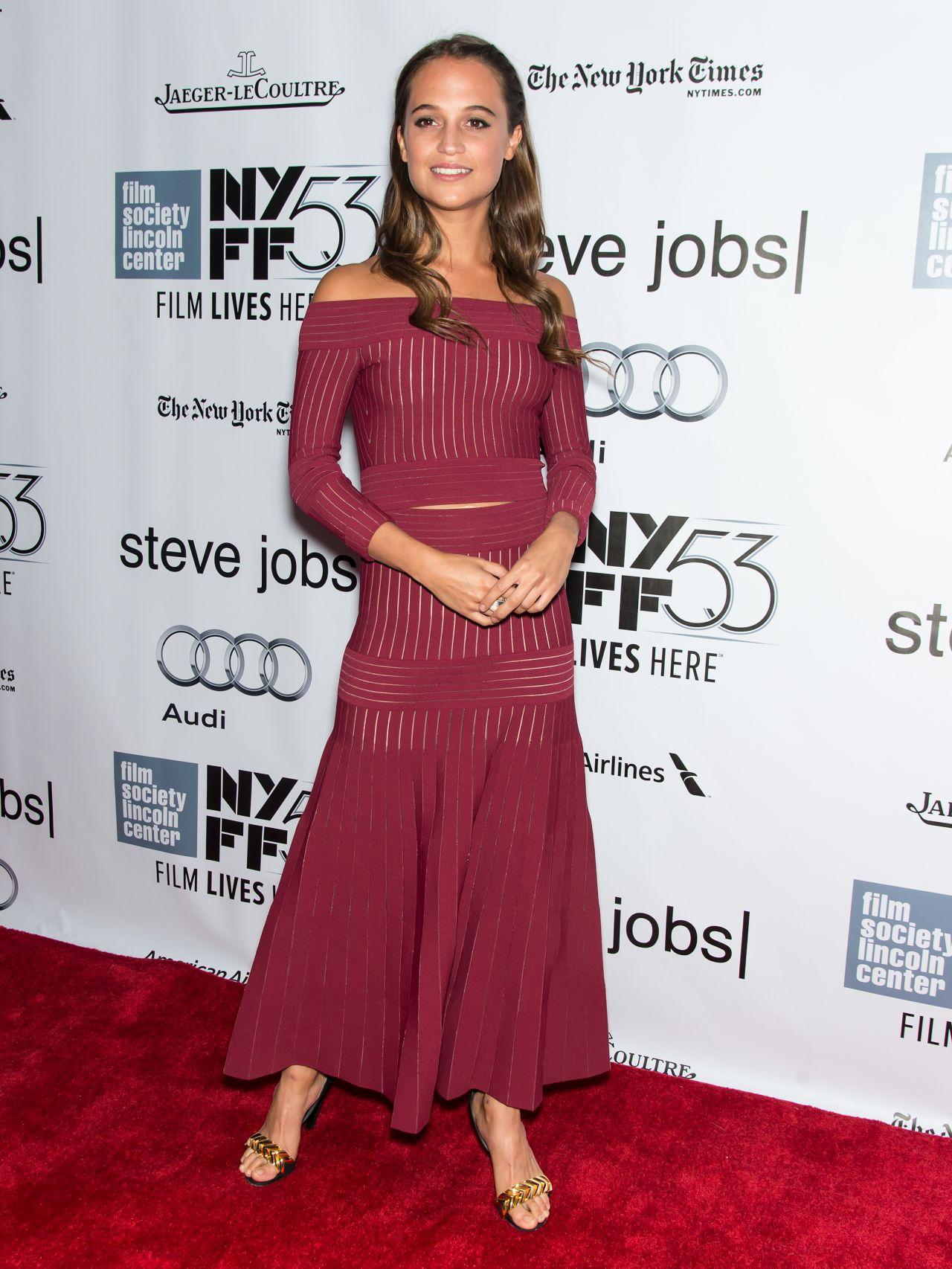 alicia-vikander-steve-jobs-premiere-at-nyff-in-new-york-city_1