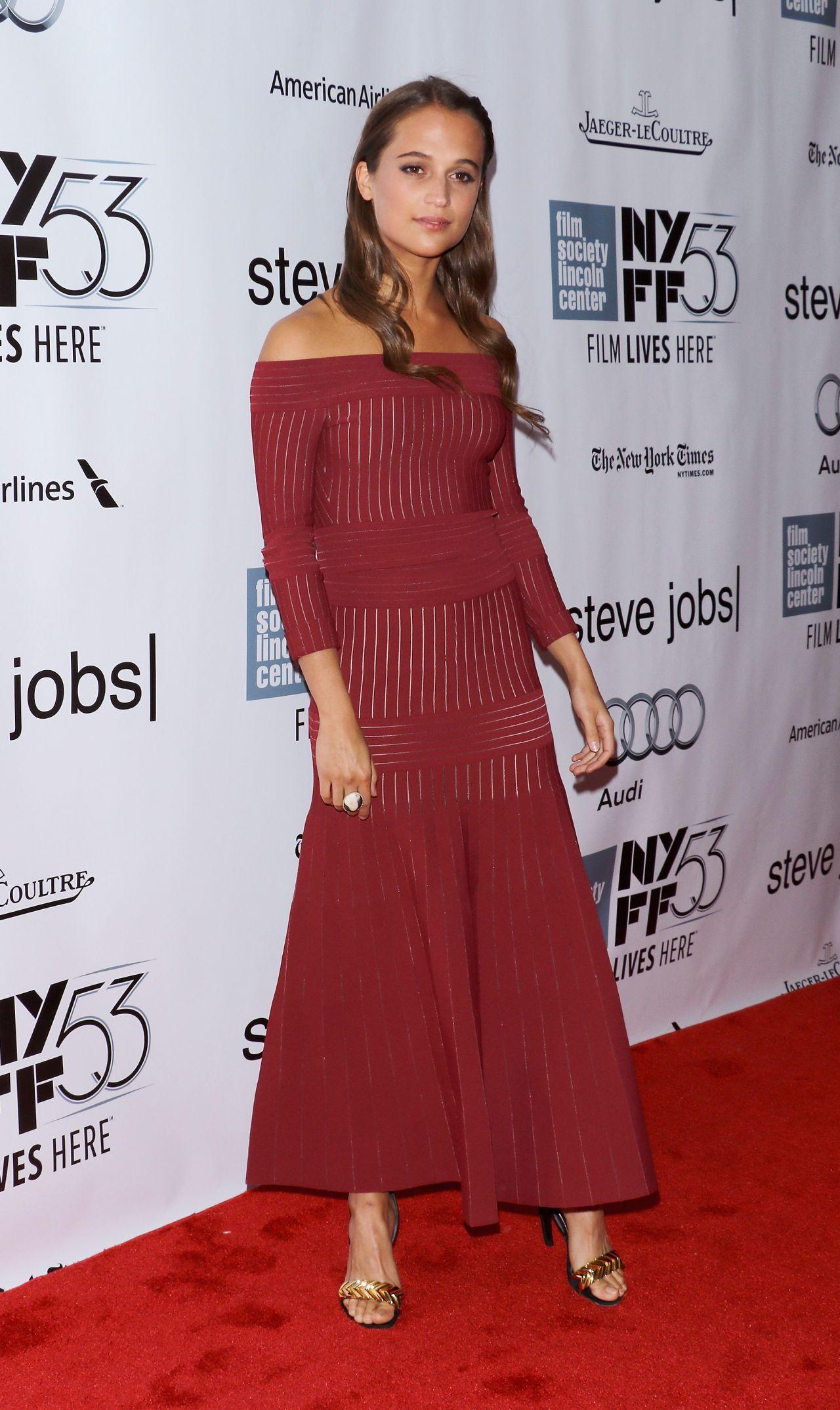 alicia-vikander-steve-jobs-premiere-at-nyff-in-new-york-city_3