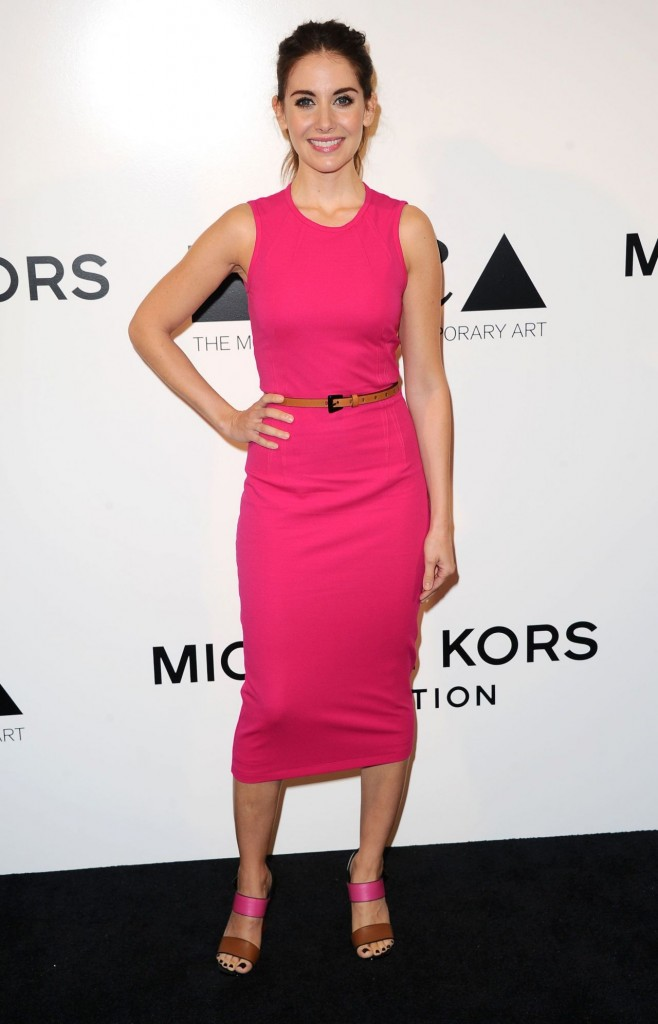 alison-brie-distinguished-women-in-the-arts-luncheon-in-beverly-hills-october-2015_1