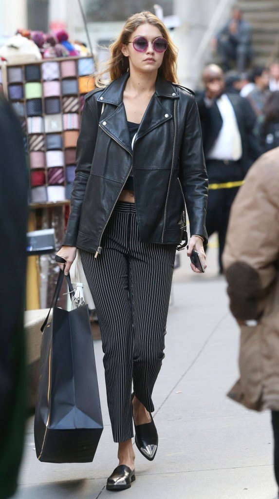 gigi-hadid-shopping-in-new-york-city-october-2015_3