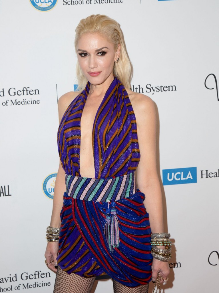 gwen-stefani-ucla-neurosurgery-visionary-ball-in-los-angeles-october-2015_4