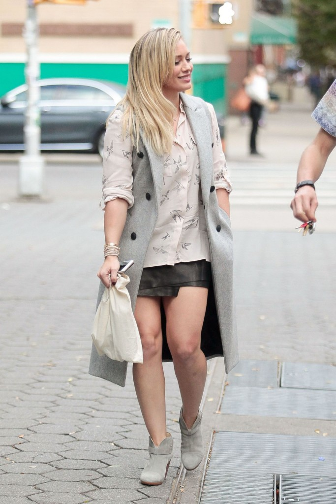 hilary-duff-younger-set-in-nyc-october-2015_3