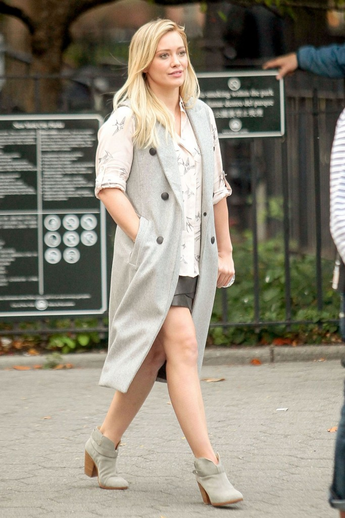 hilary-duff-younger-set-in-nyc-october-2015_4