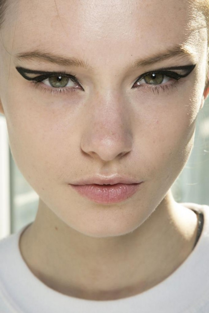 how-to-perfect-the-cat-eye2-1024x1536