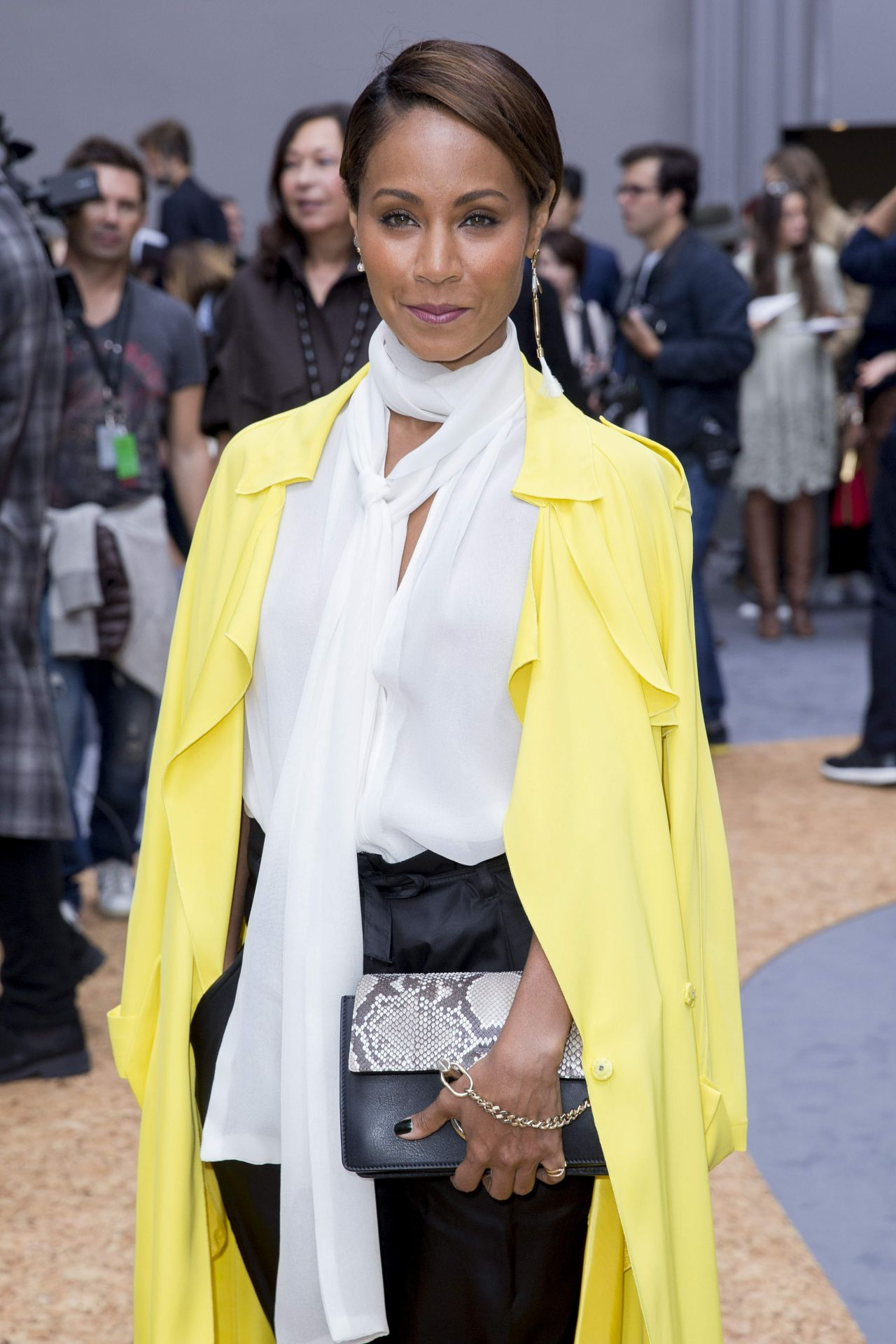 jada-pinkett-smith-at-the-chloé-fashion-show-october-2015_1