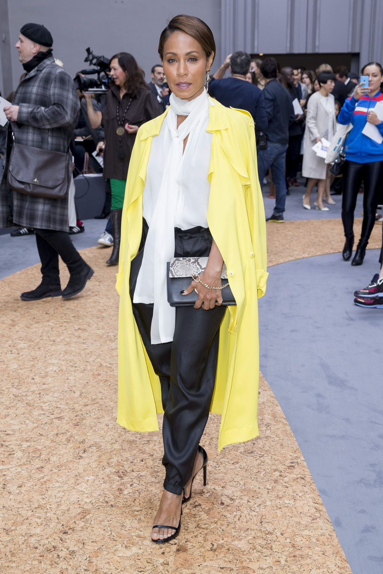 jada-pinkett-smith-at-the-chloé-fashion-show-october-2015_3