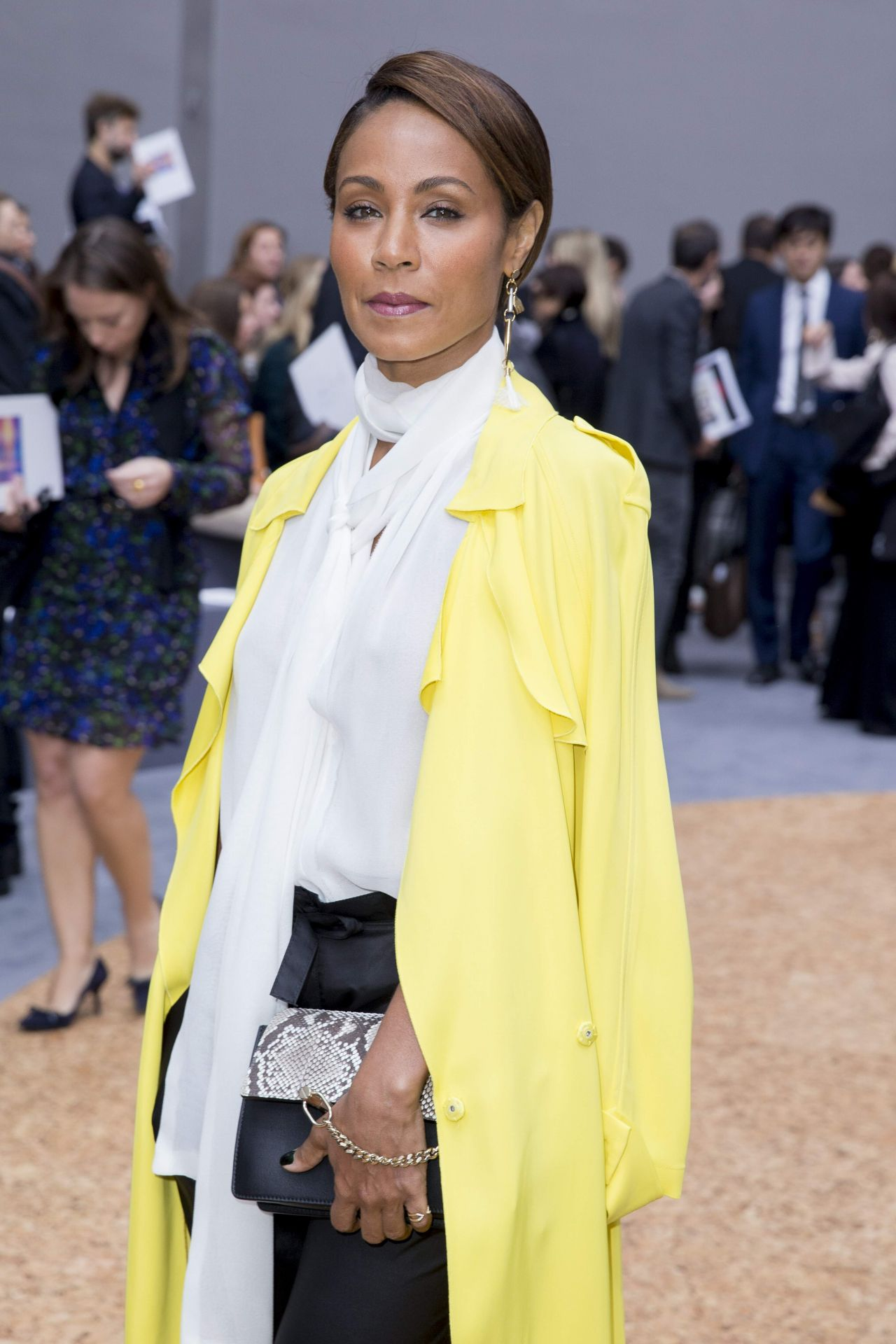 jada-pinkett-smith-at-the-chloé-fashion-show-october-2015_5