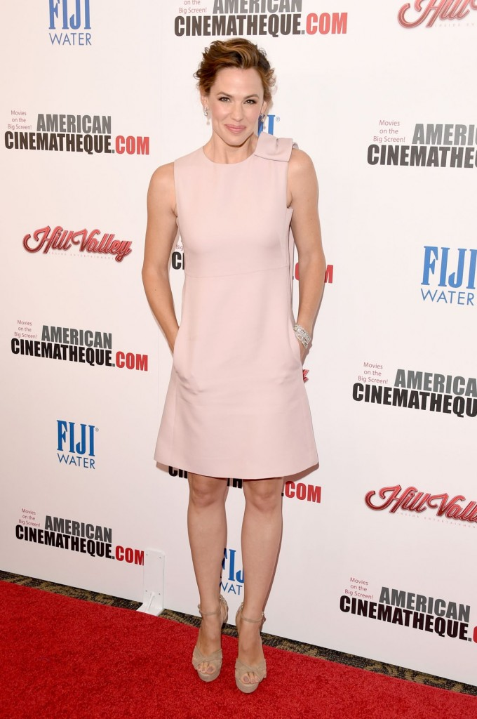 jennifer-garner-2015-american-cinematheque-award-honoring-reese-witherspoon-in-los-angeles_2