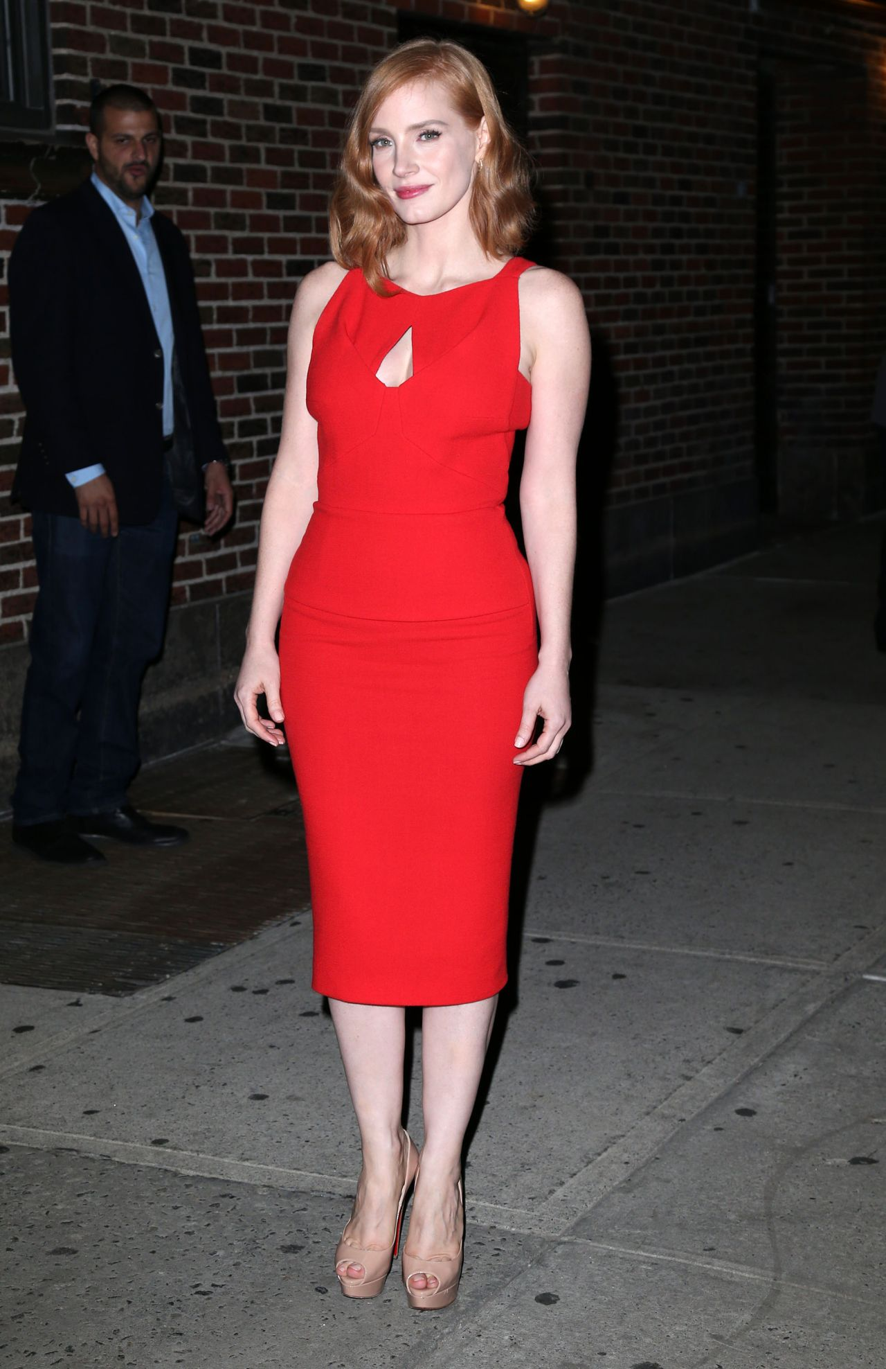 jessica-chastain-the-late-show-with-stephen-colbert-in-new-york-city-october-2015_1