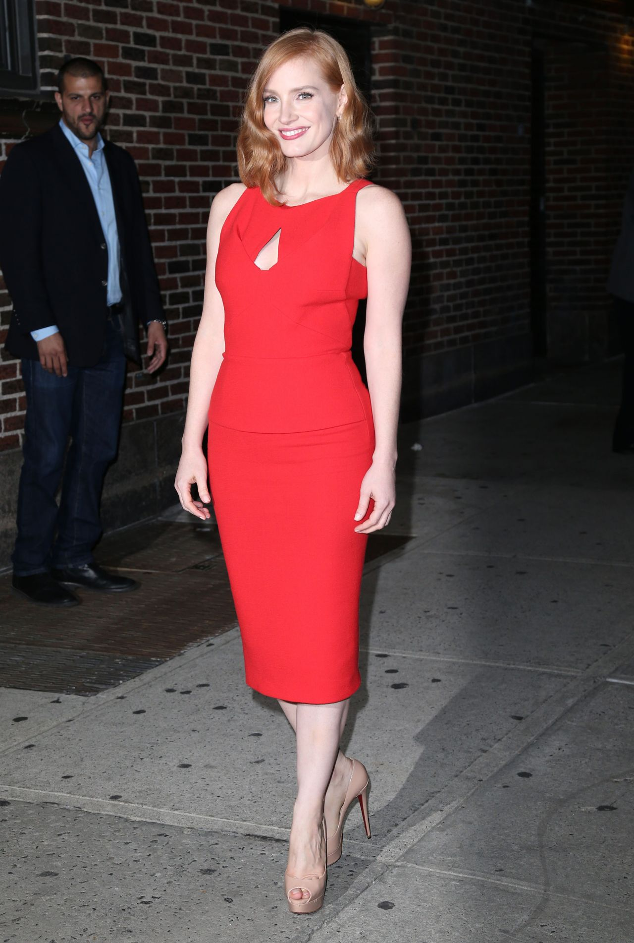 jessica-chastain-the-late-show-with-stephen-colbert-in-new-york-city-october-2015_5