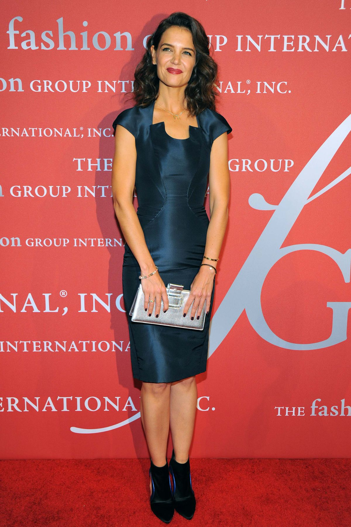 katie-holmes-at-2015-fashion-group-international-night-of-stars-gala-in-new-york-10-22-2015_11