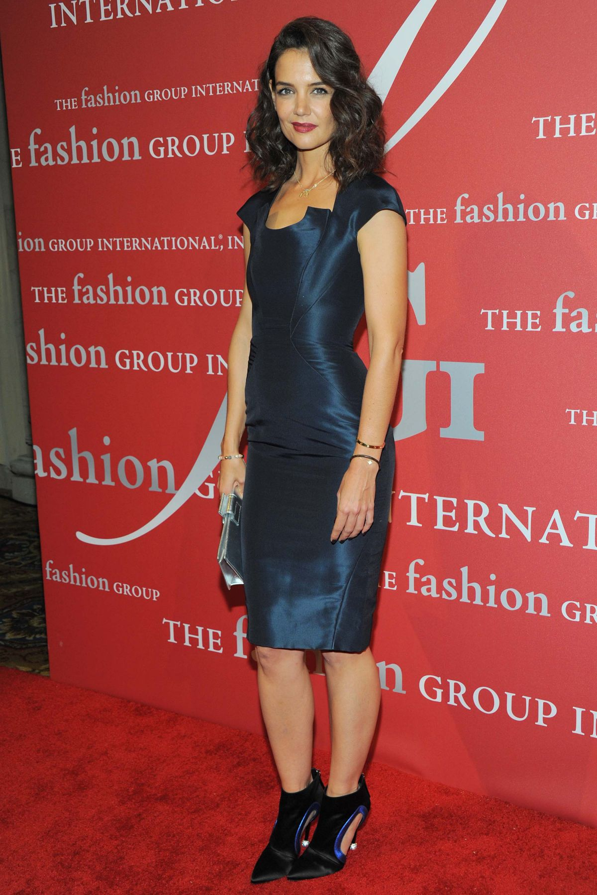 katie-holmes-at-2015-fashion-group-international-night-of-stars-gala-in-new-york-10-22-2015_8