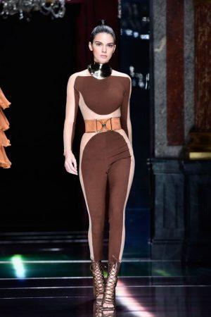 kendall-jenner-balmain-show-at-paris-fashion-week-womenswear-s-s-2016_1 (1)