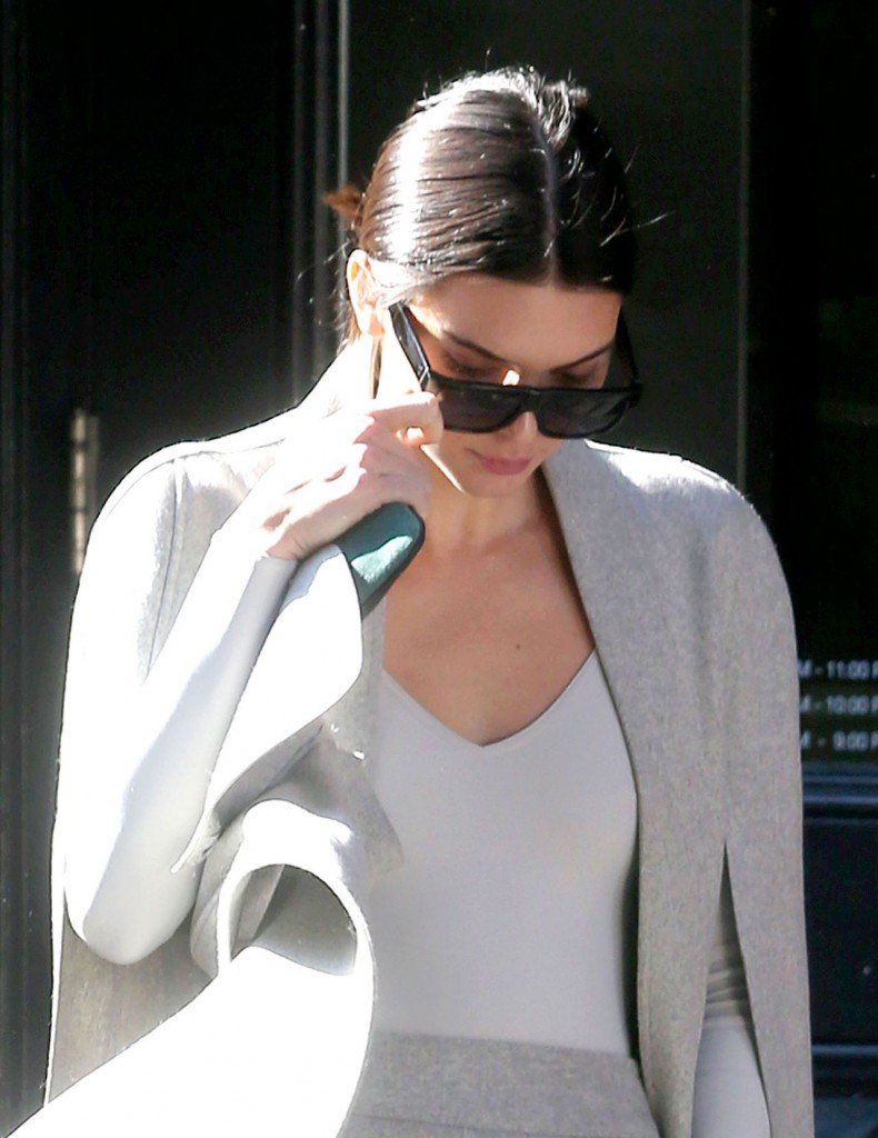 kendall-jenner-fashion-out-in-new-york-city-october-2015_5