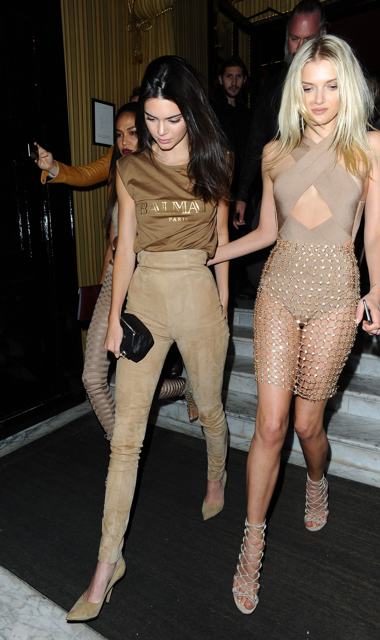 kendall-jenner-lily-donaldson-joan-smalls-leaving-costes-bar-in-paris-october-2015_10