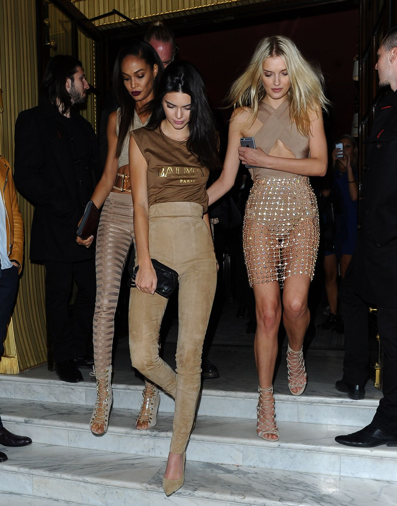 kendall-jenner-lily-donaldson-joan-smalls-leaving-costes-bar-in-paris-october-2015_12
