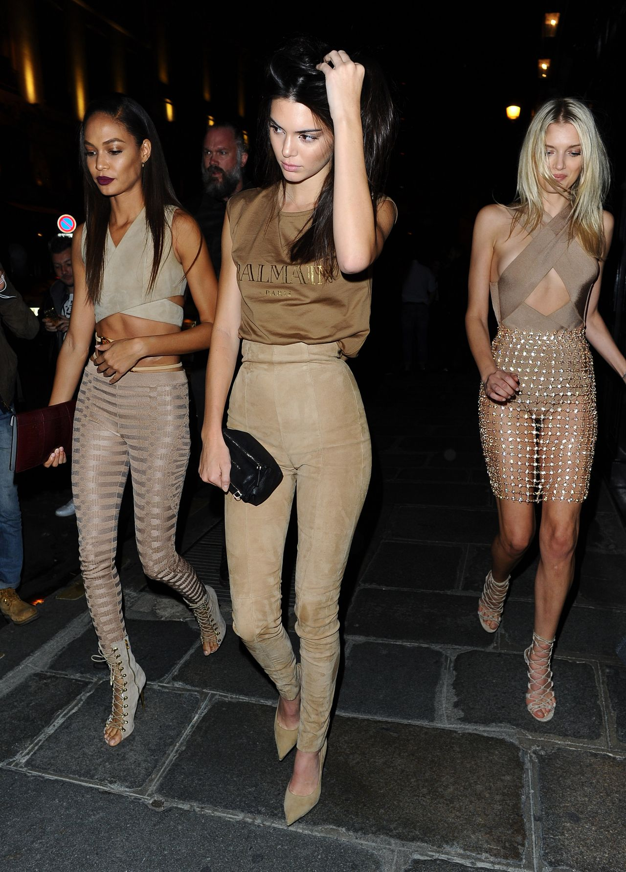 kendall-jenner-lily-donaldson-joan-smalls-leaving-costes-bar-in-paris-october-2015_2