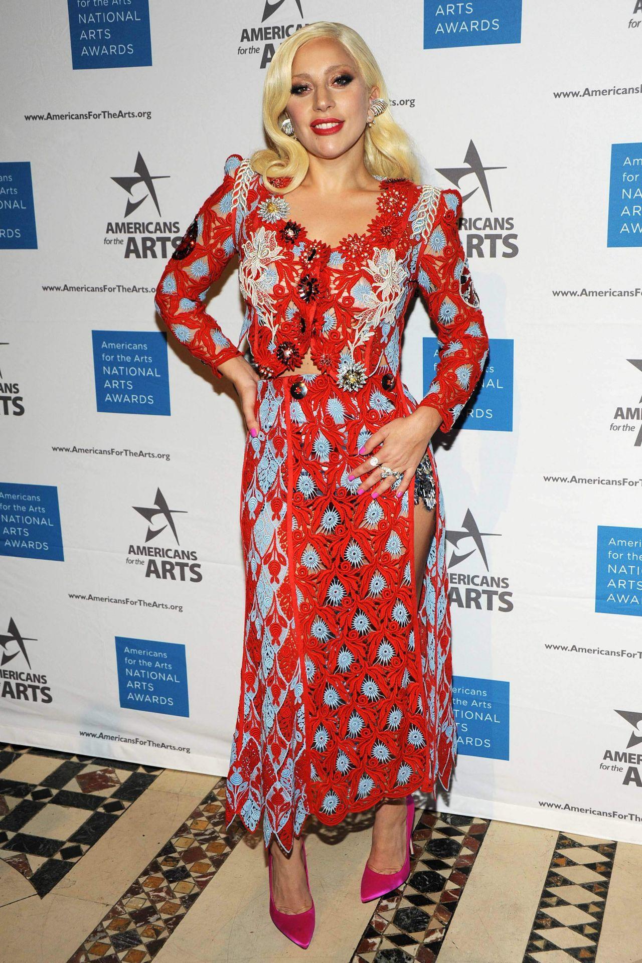 lady-gaga-2015-national-arts-awards_11