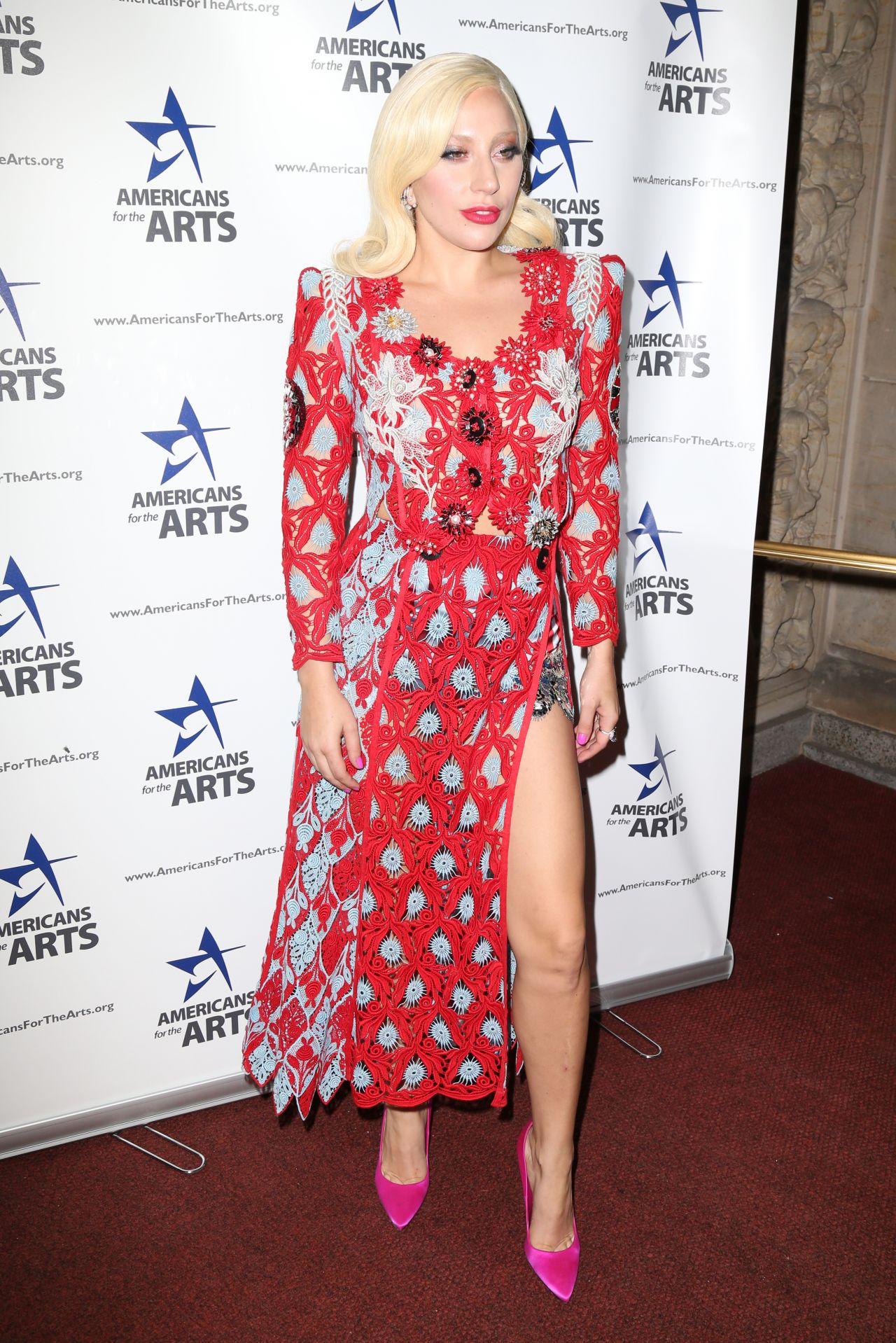 lady-gaga-2015-national-arts-awards_3
