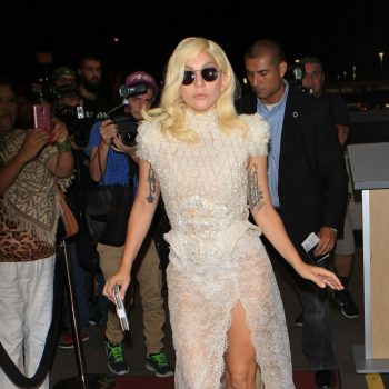 lady-gaga-arrives-at-lax-airport-in-los-angeles-october-2015_1