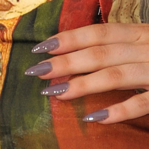 lady-gaga-nails-gray-dagger