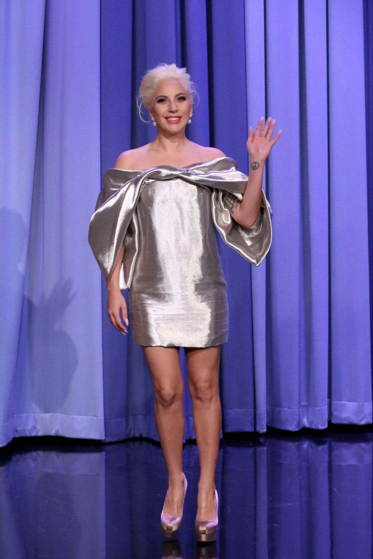 lady-gaga-the-tonight-show-with-jimmy-fallon-october-2015_2