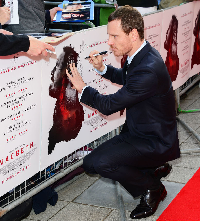 michael-fassbender-grace-the-red-carpet-at-macbeths-uk-premiere-in-edinburgh/