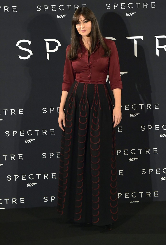 monica-bellucci-spectre-photocall-in-rome-italy_5