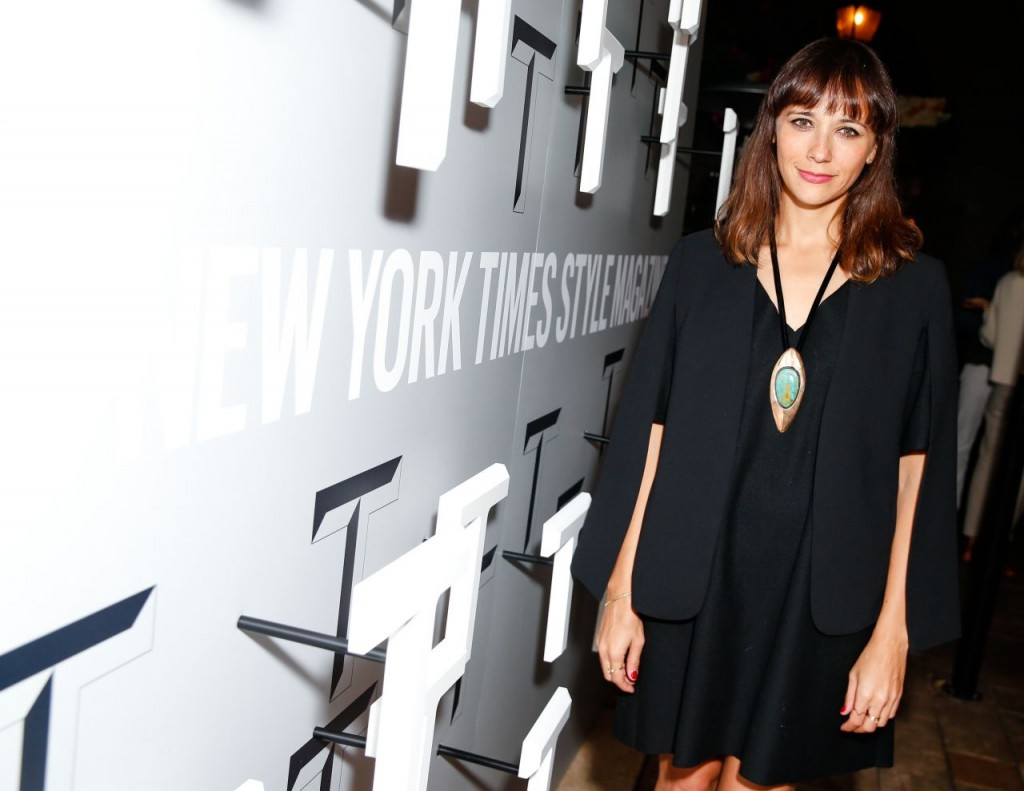 rashida-jones-t-magazine-celebrates-the-inaugural-issue-in-west-hollywood_4