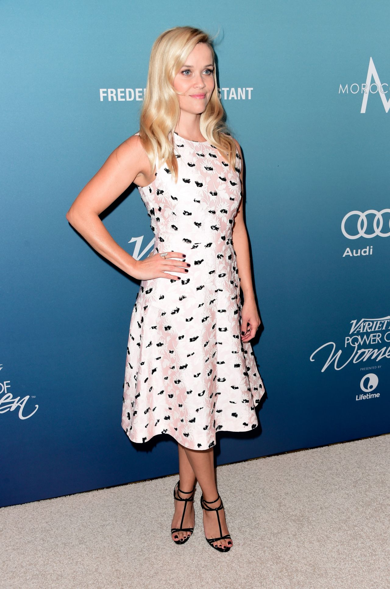 reese-witherspoon-variety-s-power-of-women-luncheon-in-beverly-hills-october-2015_12
