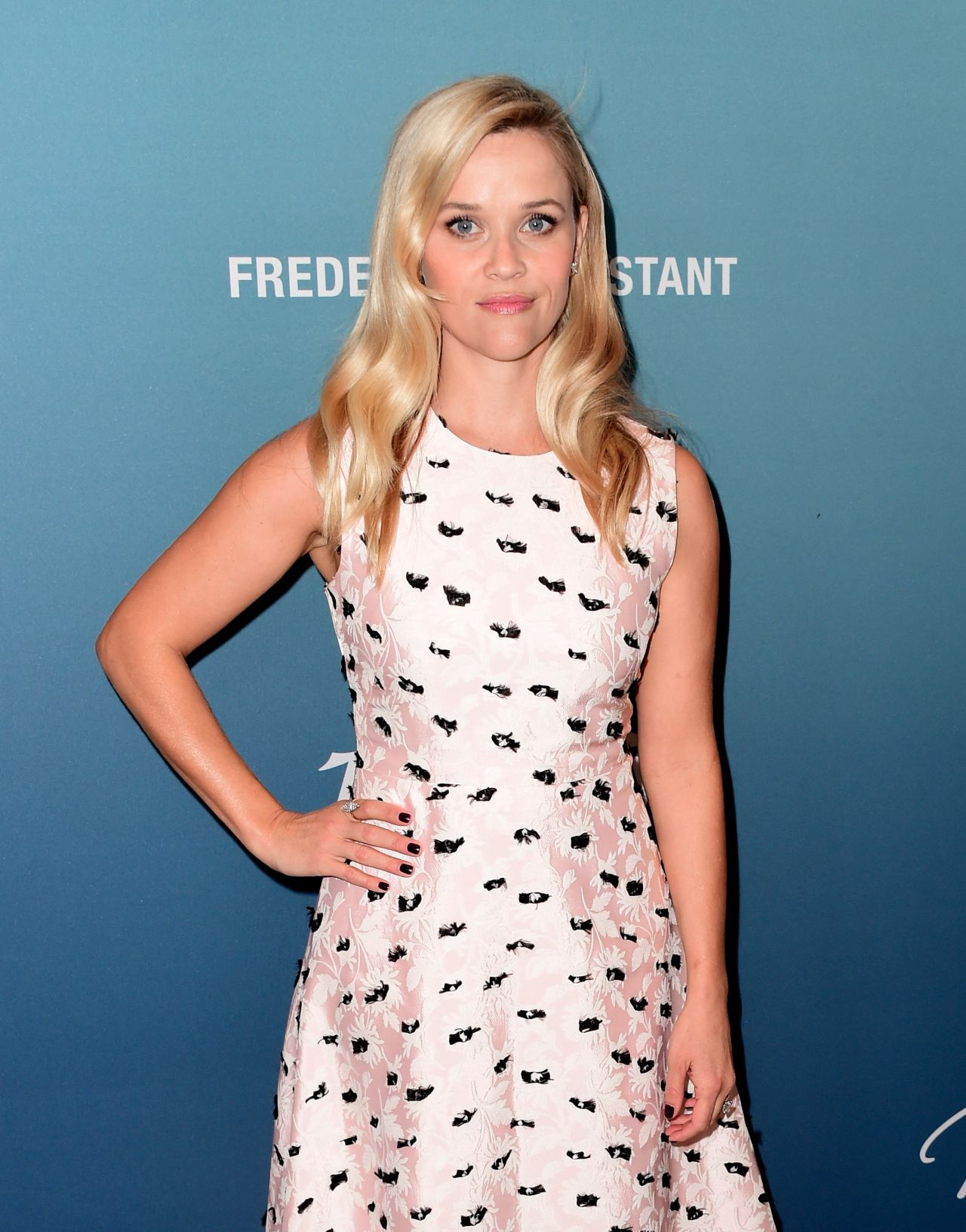 reese-witherspoon-variety-s-power-of-women-luncheon-in-beverly-hills-october-2015_13