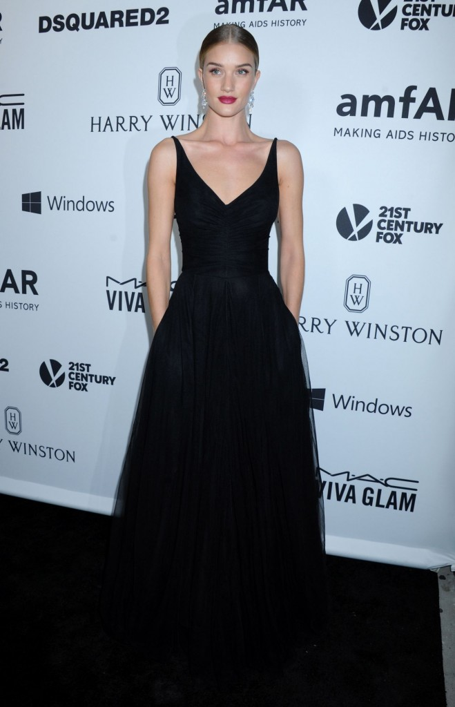 rosie-huntington-whiteley-2015-amfar-s-inspiration-gala-los-angeles-in-hollywood_1
