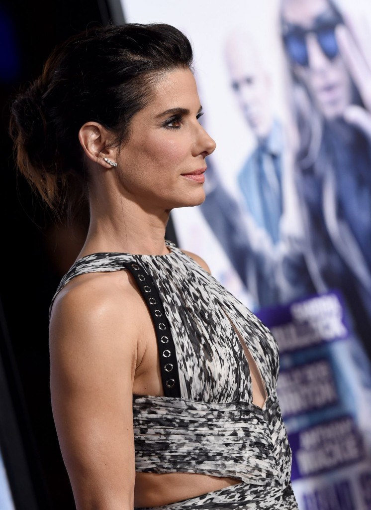 sandra-bullock-our-brand-is-crisis-premiere-in-hollywood_10