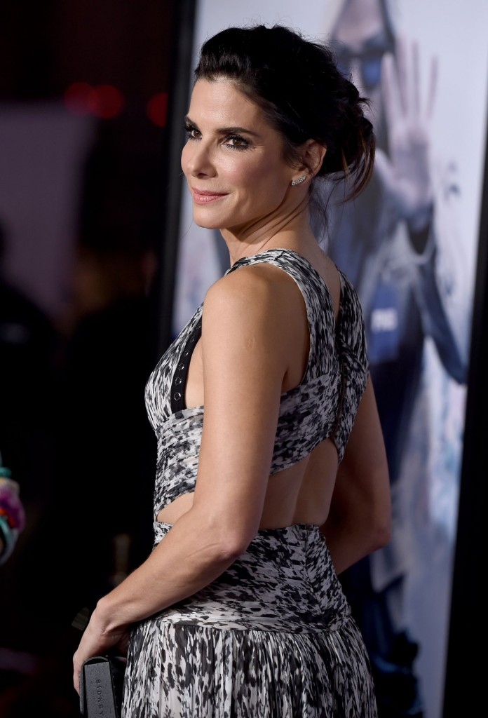 sandra-bullock-our-brand-is-crisis-premiere-in-hollywood_4
