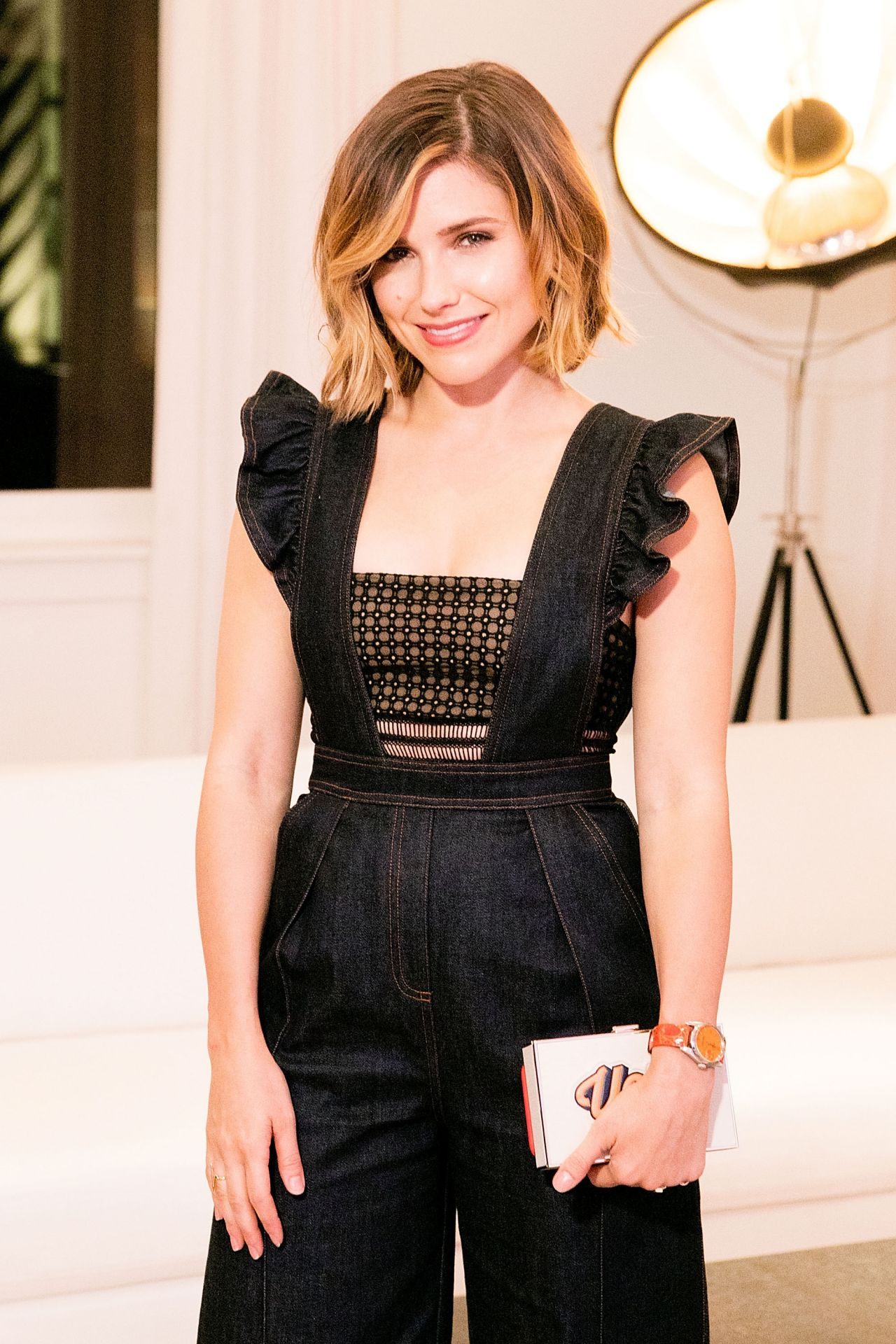 sophia-bush-restoration-hardware-celebrates-opening-of-rh-chicago-in-chicago_3