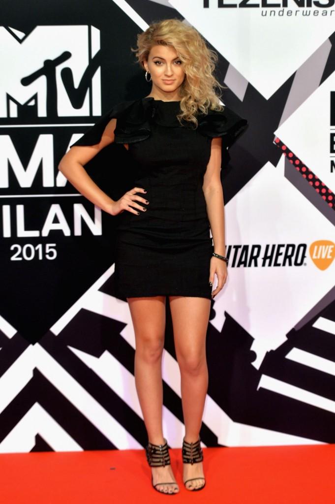 tori-kelly-2015-mtv-european-music-awards-in-milan-italy_2