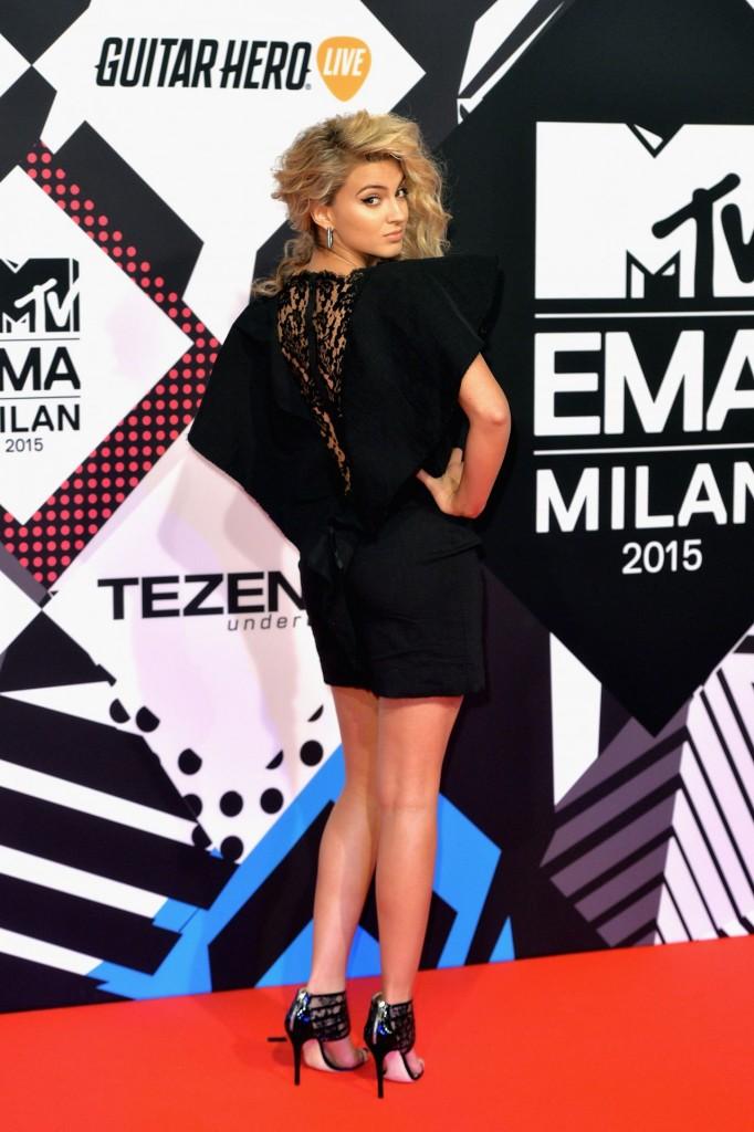 tori-kelly-2015-mtv-european-music-awards-in-milan-italy_3