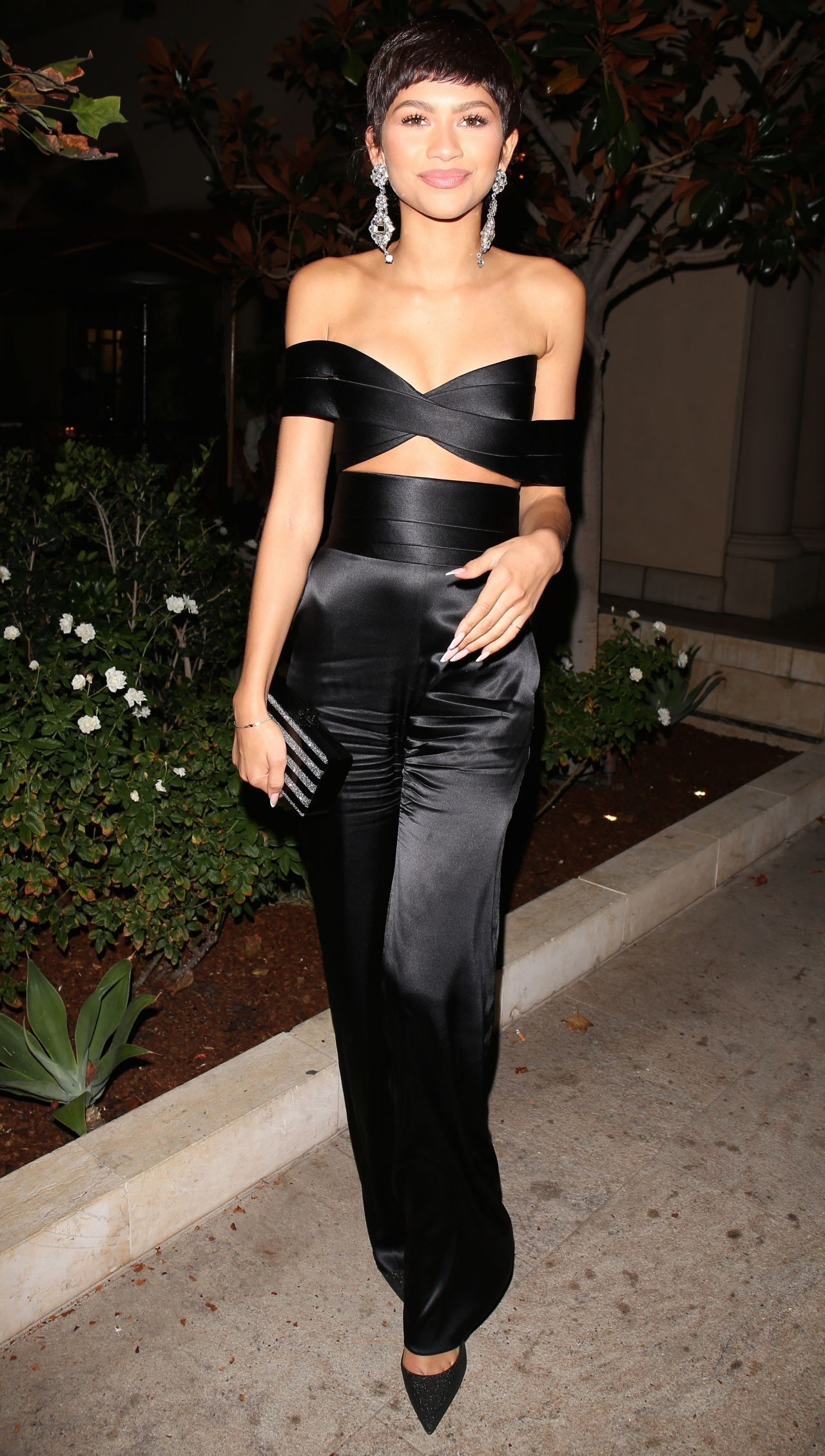zendaya-at-the-chateau-marmont-in-west-hollywood-october-2015_1