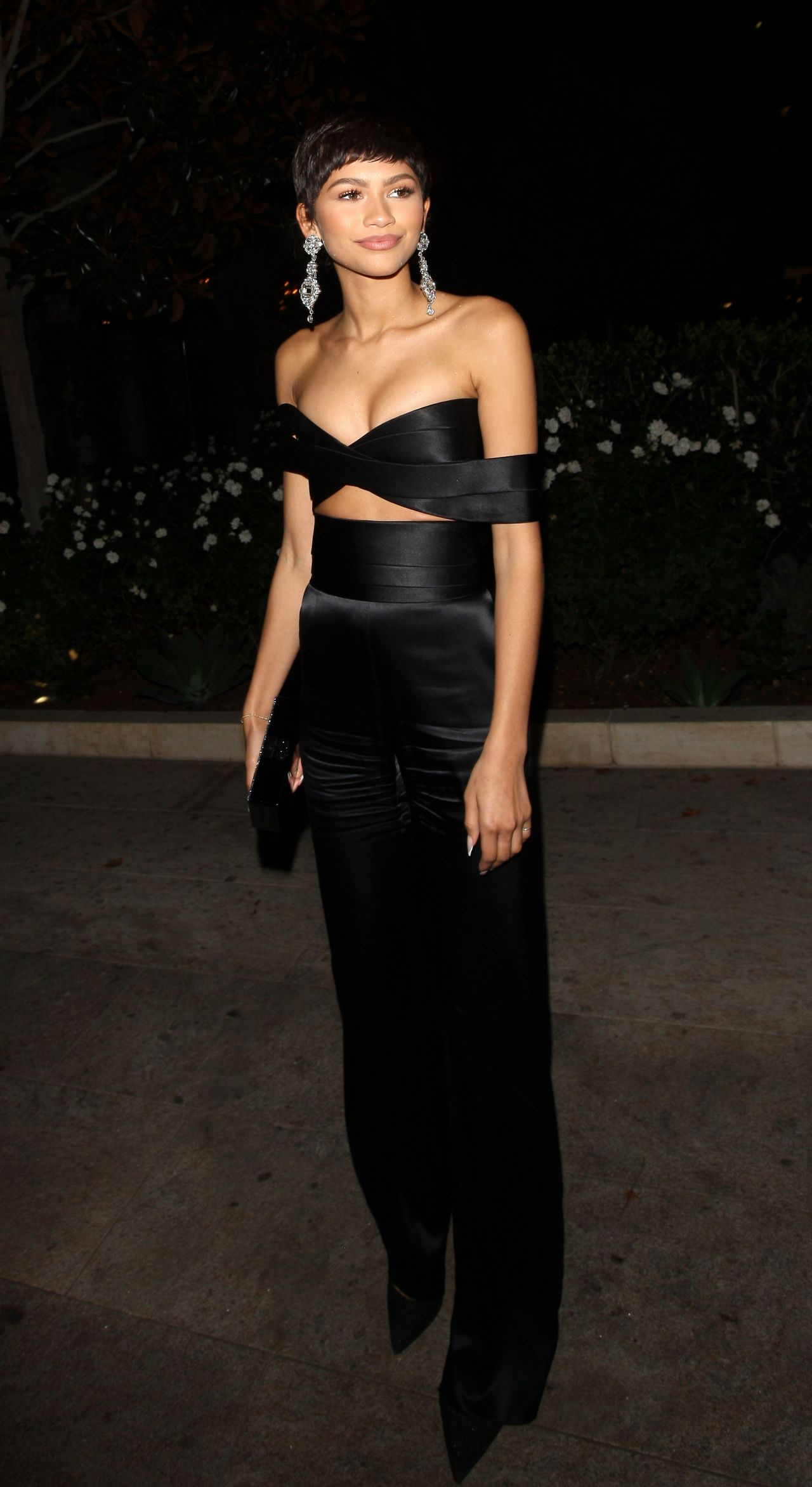 zendaya-at-the-chateau-marmont-in-west-hollywood-october-2015_12