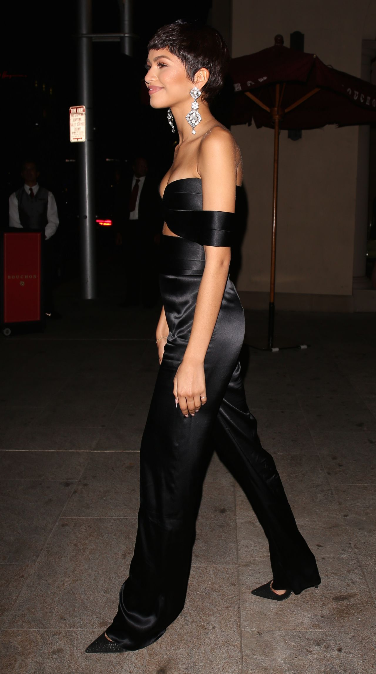 zendaya-at-the-chateau-marmont-in-west-hollywood-october-2015_5