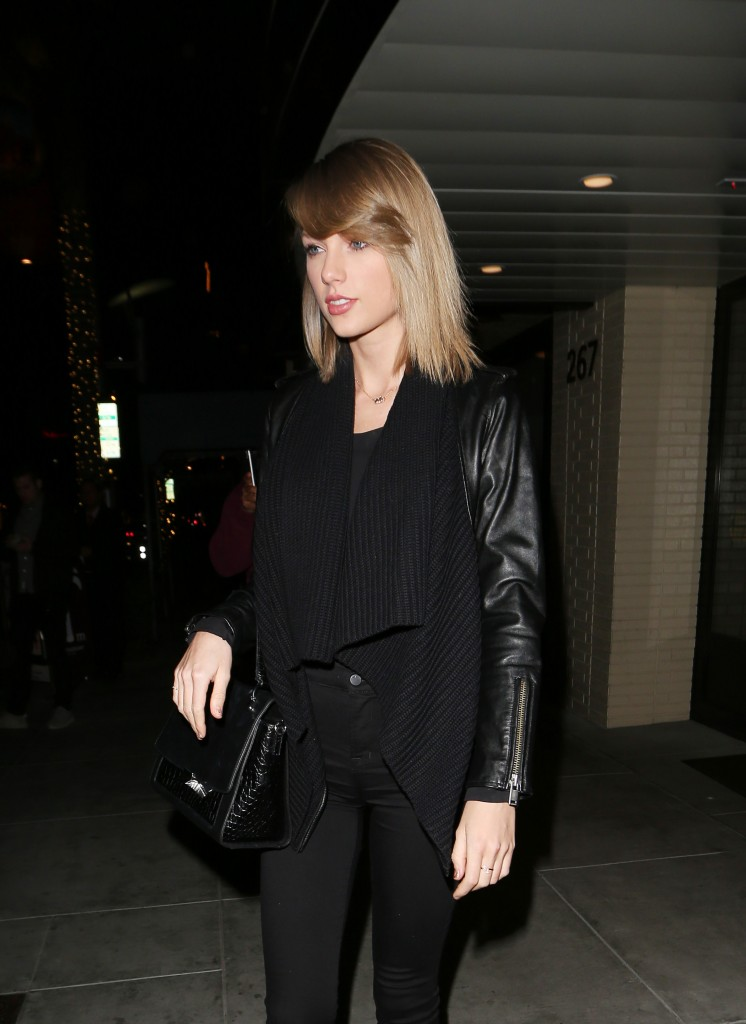 taylor-swift-spotted-leaving-palm-restaurant-in-beverly-hills