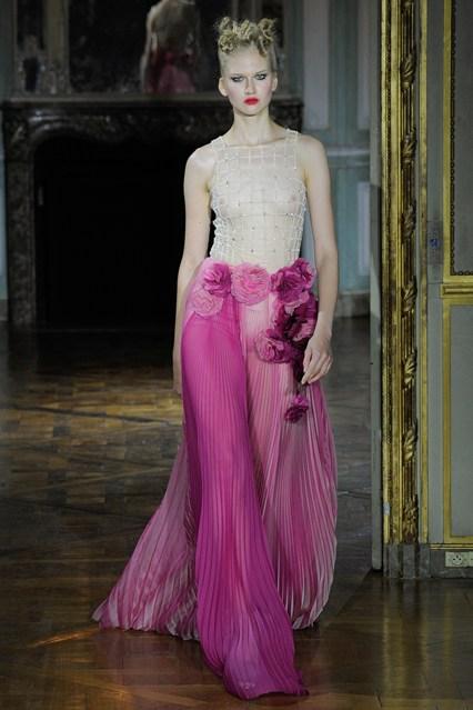 Ulyana- Sergeenko- Fall-2015 -Couture