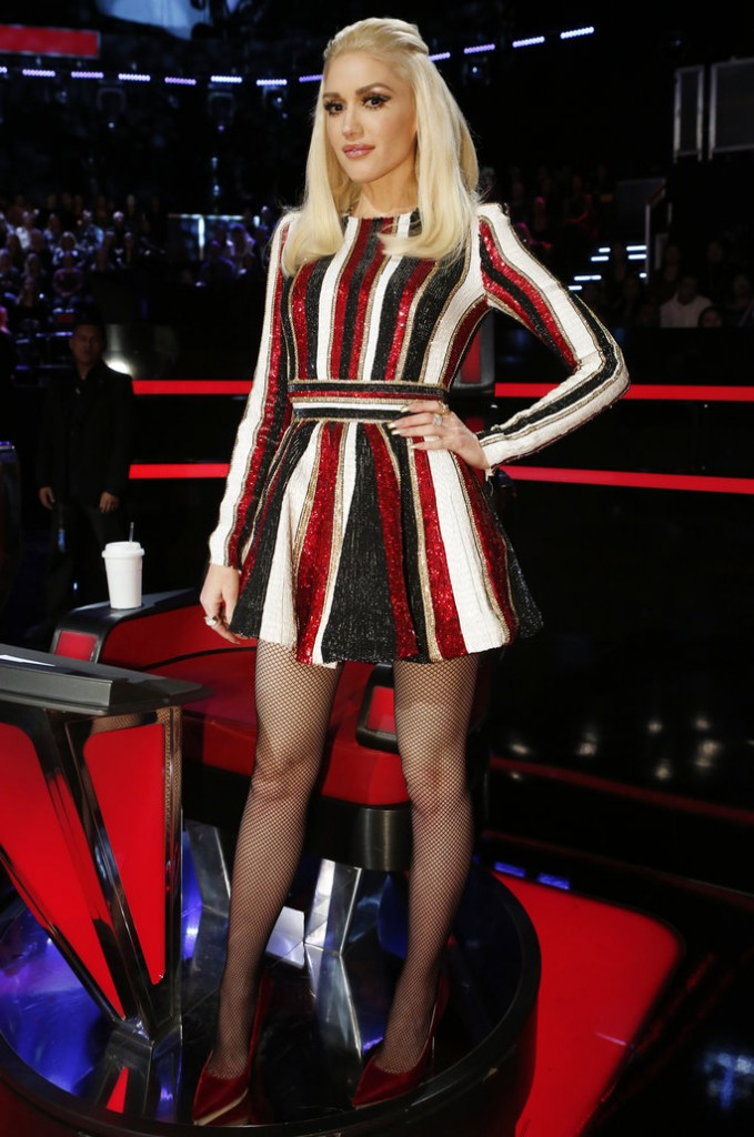 gwen-stefani-in-zuhair-murad-the-voice-live-play-off