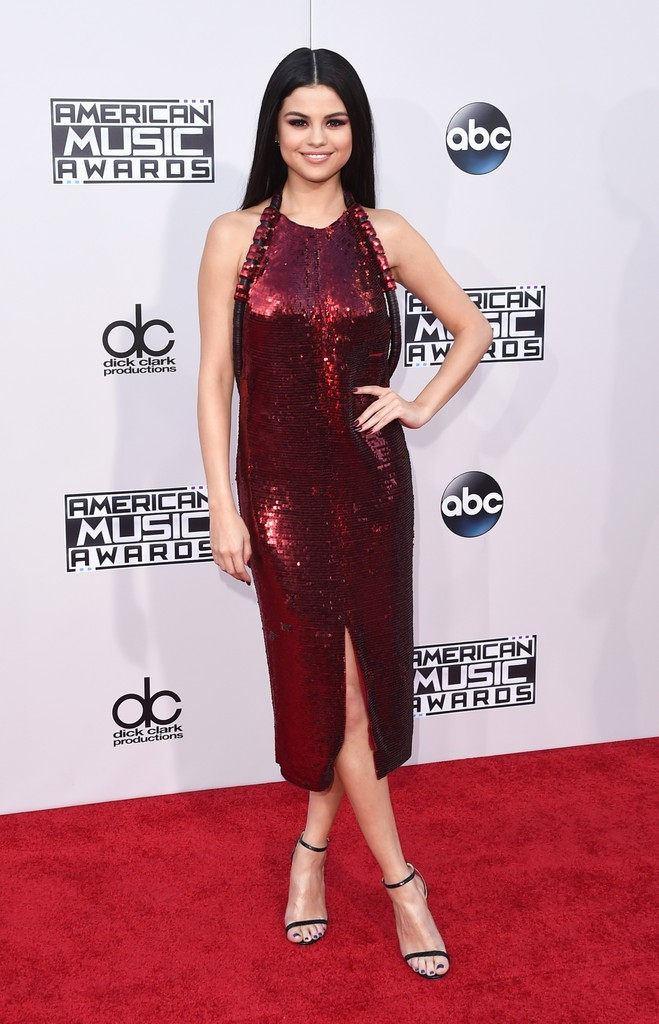 2015-American-Music-Awards-Arrivals-selena-gomez