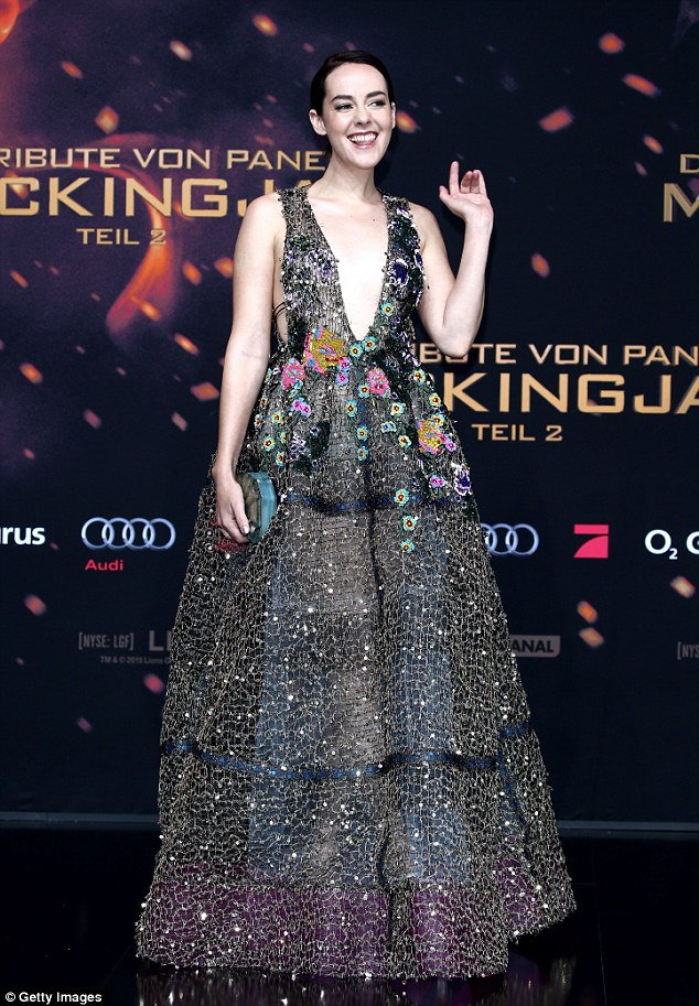 jena-malone-in-reem-acra-the-hunger-games-mockingjay-part2-berlin-permiere
