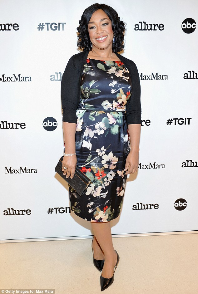 _Shonda_Rhime-kerry-washington-in-self-portrait-couture-at-the-maxmara-allure-celebration