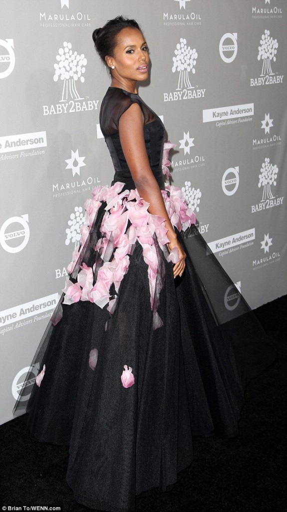 kerry-washington-in-giambattista-valli-couture-baby2baby-gala
