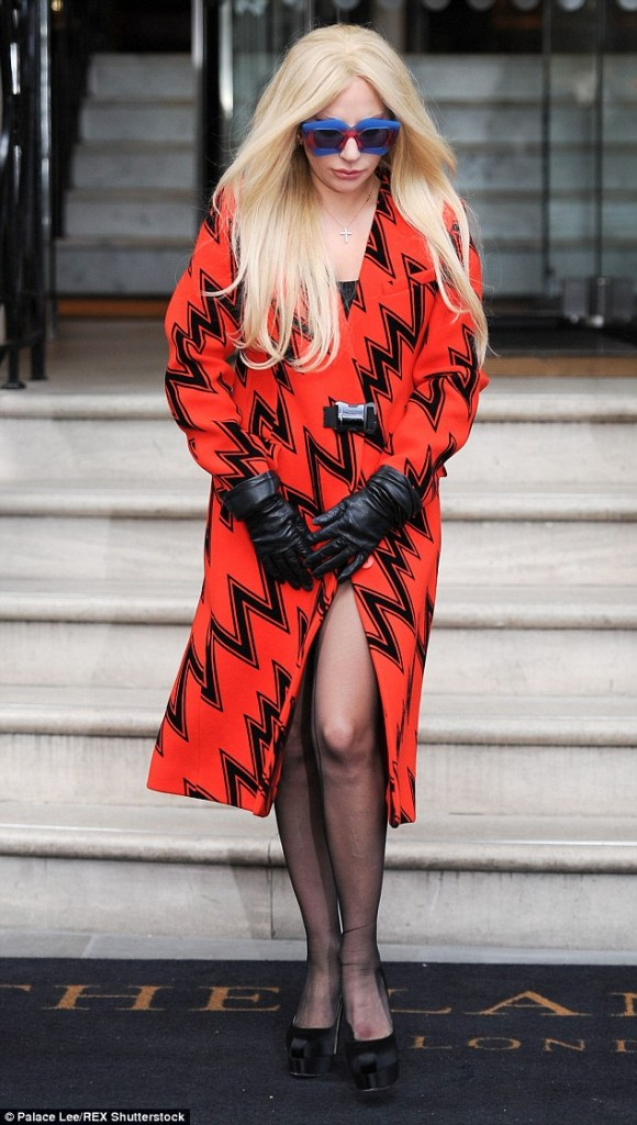 lady-gaga-in-christopher-kane-out-in-london