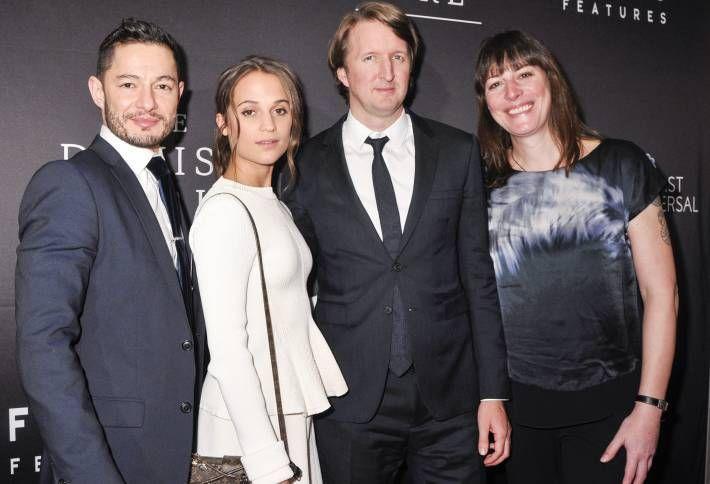 Alicia-Vikander-In-Victoria-Beckham-The-Danish-Girl-Washington-Premiere