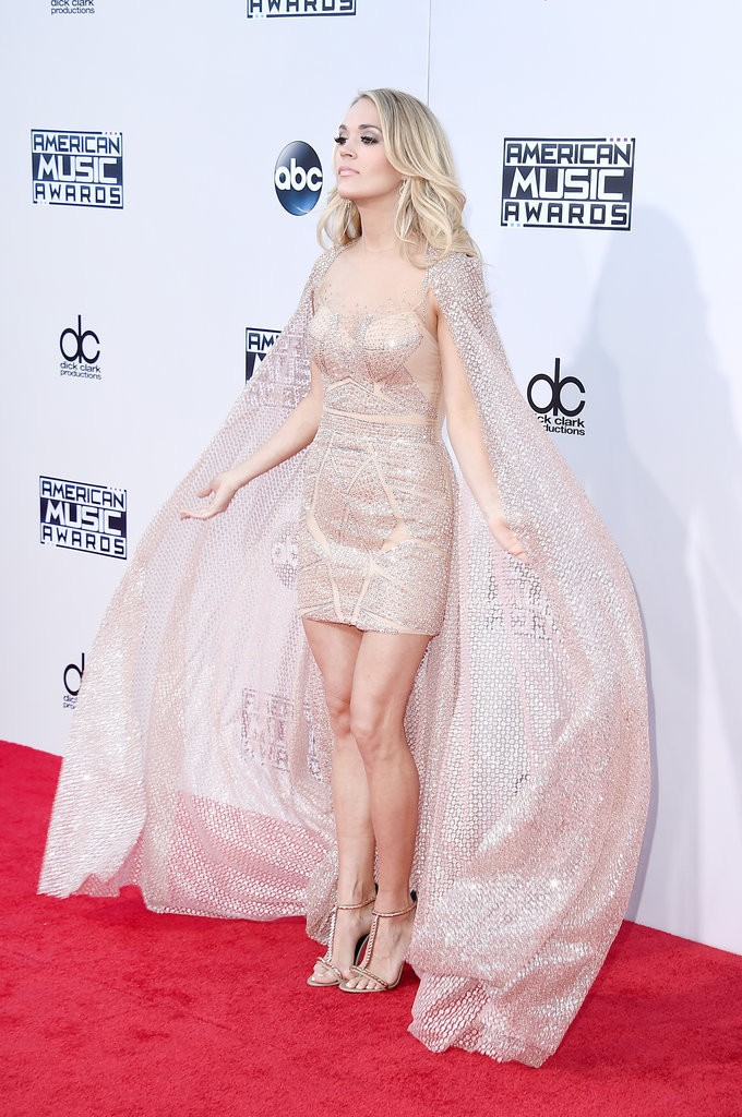 Carrie-Underwood-Dress-American-Music-Awards-2015-2